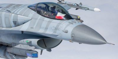波蘭-台灣-空軍-F16-戰鬥機-戰機-飛行-特技-油箱-電戰-東歐-蘇聯-北約-組織-國旗-美國-俄羅斯-俄國-歐洲
