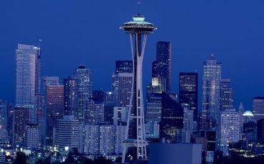 西雅圖-微軟-MICROSOFT-亞馬遜-AMAZON-星巴克-STARBUCKS-波音-BOEING-好市多-COSTCO-優比速-UPS-美國-華盛頓州-西北部-城市-都市-企業-商業-公司-集團-財團-國際-跨國-總部-創業-創始地-發源地-首富-富商-富豪-投資-典範-經營-經濟-環境-地點